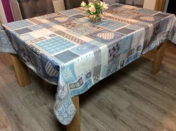 Nappe Patch Coeurs, edelweiss, flocons de neige, bleu, rectangulaire 100% polyester anti-taches