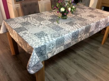 Nappe Azulejos et arabesques, gris, rectangulaire 100% polyester anti-taches